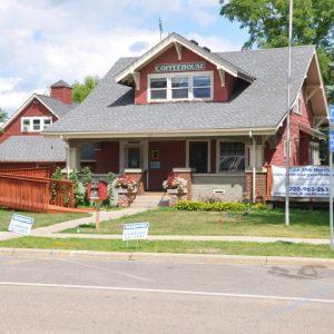 Maple Lake – 120 Oak Avenue N Coffee House