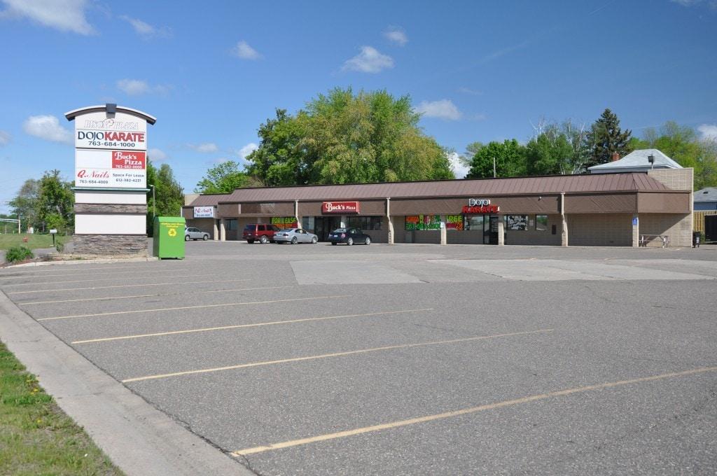 Buffalo – 409 Highway 55 Bison Plaza